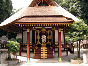 250pxyoshida_shrine_funeral_hall